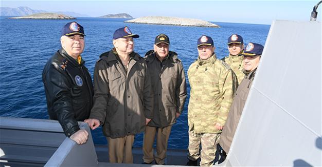 Turkish army chief visits Kardak islets amid strained