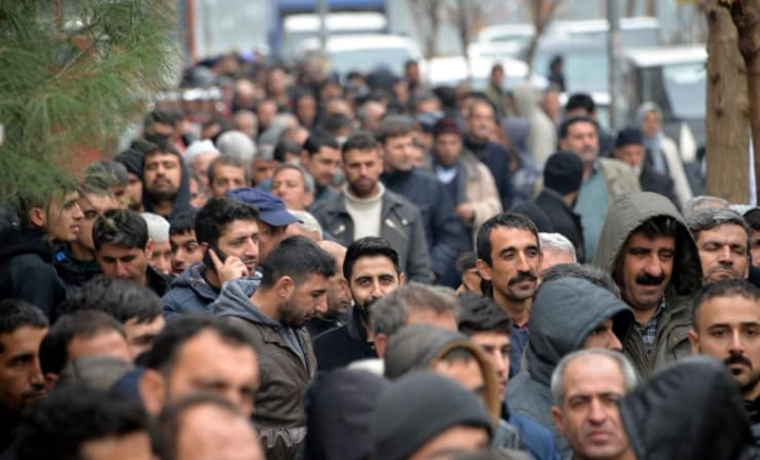 Unemployment rate rises 63 percent in Turkey in one year